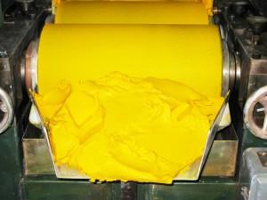 Broyage huile jaune de cadmium clair d'Isaro
